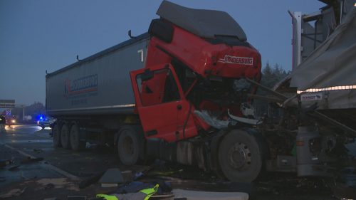 nonstopnews-lkw-unfall-16-01-2017